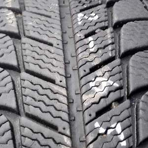 Зима 215 55 16 Michelin X-Ice Xin3 2штк в Куровском